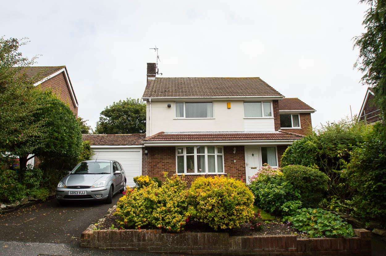 4 Bedrooms Detached House for sale in Ruskin Road, EASTBOURNE